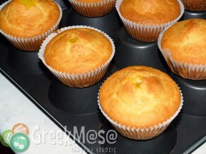 Cupcakes με γέμιση κρέμας λεμονιού