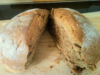 Ψωμί ολικής άλεσης εύκολο χωρίς μαγιά